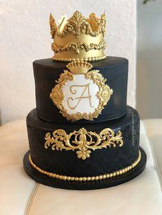 Elegant Birthday Cakes, Gold Birthday Cake, Cute Birthday Cakes, Beautiful Birthday Cakes, 18th Birthday Party, Beautiful Cakes, Tiara Cake, Crown Cake, Cake Decorating Techniques