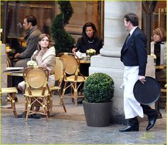 """Angelina Jolie à Paris, place Colette, pendant le tournage de """"The Tourist"""", 2010"""