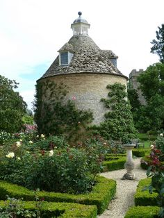rousham gardens, the dovecote by found and sewn, via Flickr
