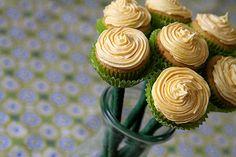 mini cupcake daffodils?! I need to make these.