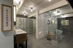 Pretty bathroom vanities clearance lowes that will blow your mind Custom Home Builders, Custom Homes, Chaise Panton, Polished Concrete Flooring, Glass Shower Enclosures, Corner Sink, Commercial Construction, Wooden Ceilings, Shower Doors