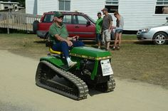 John Deere 718 crawler