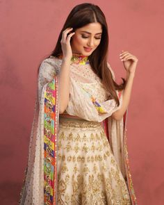 Discover recipes, home ideas, style inspiration and other ideas to try. Asian Wedding Dress Pakistani, Pakistani Fashion Casual, Pakistani Girl, Pakistani Dress Design, Pakistani Outfits, Pakistani Actress, Pakistani Models, Indian Outfits, Bollywood Actress