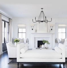 31 Admirable Formal Living Room Decor Ideas - The day of the front parlor that is so formal is now over. The homes nowadays in our modern time are using the available spaces in the living room and. Living Room Interior, Home Living Room, Living Room Designs, Classic Living Room, Living Room White, Home Design, Interior Design, Design Ideas, Interior Ideas