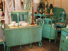 New Shabby Chic Bedroom Turquoise Distressed Furniture 44 Ideas Green Distressed Furniture, Turquoise Painted Furniture, Hand Painted Furniture, Repurposed Furniture, Wood Bedroom Furniture, Shabby Chic Furniture, Vintage Furniture, Blue Furniture, Paint Furniture