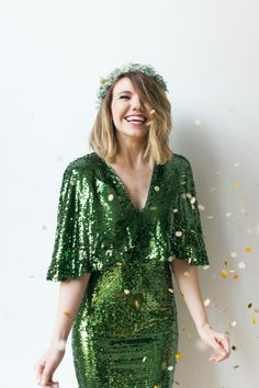 New Years Eve calls for happiness, fun and some resolutions! http://www.stylemepretty.com/living/2016/12/27/how-to-make-your-party-and-yourself-sparkle-this-new-years-eve/ Photography: Blue Rose - http://www.bluerosepictures.com/