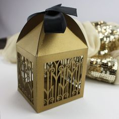 Art Deco lasercut favor box. Perfect gift for your Gatsby guests. By KatBlu Studio