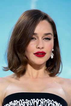Emilia Clarke hair and makeup
