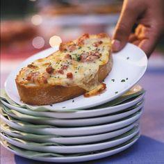 Rezept: Gratinierte Käse-Crostinis