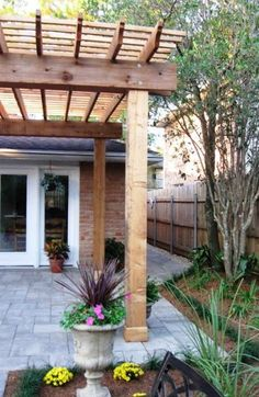 Dress Up Your Deck or Patio with a Pergola A tall pergola can dress up a deck into an inviting outdoor space. (Photo courtesy of Angie's List member Barbara G. of Harahan, La. Backyard Projects, Outdoor Projects, Backyard Patio, Backyard Landscaping, Pergola Diy, Pergola Plans, Pergola Ideas, Cedar Pergola, Corner Pergola