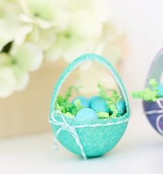 DIY these adorable mini-egg easter baskets with Martha Stewart Crafts paint and glitter and instructions from Damask Love. #marthastewartcrafts #12monthsofmartha