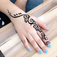 Learn Henna With basic and simple patterns ♥️ beautiful or not ? Henna Hand Designs, Henna Tattoo Designs Simple, Mehndi Designs Finger, Mehndi Designs For Beginners, Mehndi Designs For Fingers, Unique Mehndi Designs, Mehndi Design Images, Latest Mehndi Designs, Beautiful Henna Designs