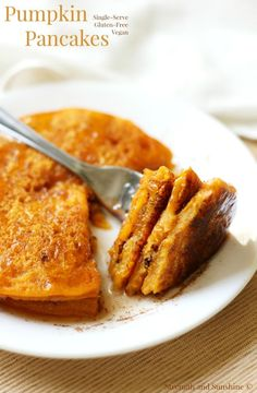 Pumpkin Pancakes | Strength and Sunshine /RebeccaGF666/ Simple and delicious pumpkin pancakes in a snap! Gluten-free, vegan, and single-serve, these pancakes are healthy and make a perfect seasonal breakfast recipe any day of the week!