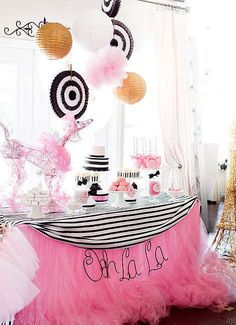 Paloma's Pink Poodle Parisian Party Styling By Bash Party Styling – USA Amazing striped cake, cupcakes & candy apples- Yay For Cakes Party Printables – Krown Kreations & C… Paris Themed Cakes, Paris Birthday Parties, Themed Parties, Parisian Party, Party Spread, Pink Poodle, Barbie Party, Festa Party, Quinceanera Party