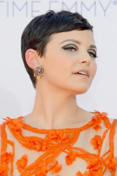 Ginnifer Goodwin Ginnifer Goodwin arrives at the 64th Annual Primetime Emmy Awards at Nokia Theatre L.A. Live on September 23, 2012 in Los A...
