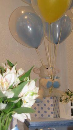 Arranjos de balões duplos para chá de bebê.  Crédito: Balão e fotos: Balão Cultura Créditos: Balões e filme: Balão Cultura  Gostou? Contate-nos: www.balaocultura.com.br Telefones: 11 50816916 ou 11 39049892  #chadebebe #babyshower #decoraçãodeovelhinha #decoraçãodeovelha #decoraçãodeovelhanobalao #balaodecoracao #qualatex #decoraçãodiferente #decoraçãocriativa #encontraideias #mamaefesteira #balaocultura