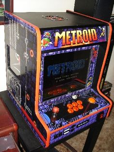 DIY arcade cabinet of Metroid. So awesome...