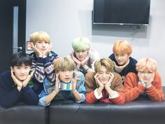 Read from the story High School [NCT DREAM] by GXXXXXS (april) with reads. chensung, markhyuck, El ánimo de Mark bajo cuando vio a su rec. Jaehyun, Nct 127, Winwin, Taeyong, Wattpad, Fanfiction, Ntc Dream, Yuta, Dream Concert