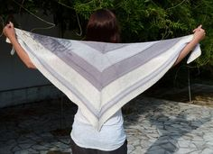 Douceur pattern by Mademoiselle C Free Ravelry Pattern, 3 complimentary or tonal colors Knitted Shawls, Crochet Shawl, Knit Scarves, Shawl Patterns, Knitting Patterns, Knitting Projects, Ravelry, Knit Wrap, Mademoiselle