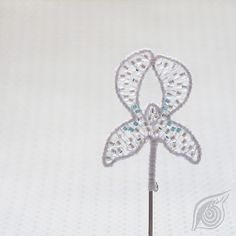 Do you ever seen so fragile brooch?:-)..I just look at it and say - wow...  Design by Nady at http://www.fler.cz/nady
