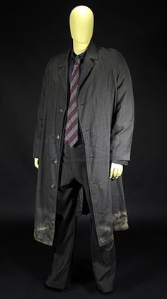 Theos (Clive Owen) Kidnap Costume | Prop Store - Ultimate Movie Collectables
