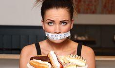 Еда играет весомую роль в обеспечении жизнедеятельности человека и является одной из базовых его потребностей. Прием пищи доставляет людям массу удовольствий. Однако чрезмерное потребление еды может перерасти в сложную проблему, которая называется пищевой зависимостью. Она представляет собой состояние, когда человек прибегает к употреблению пищи, не испытывая чувство голода. То есть проблема имеет глубокий психологический характер. […]