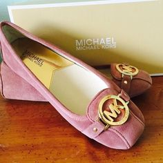 Nib MK Fulton Moc flats MK dusty rose flats, never been worn. Size 8. Trade value $110 MICHAEL Michael Kors Shoes Flats & Loafers