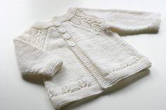 Suéter que hace punto para los bebés