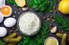 """Teljesen másképp készül az """"eredeti"""" TARTÁRMÁRTÁS, mint gondolnád   Nosalty Menus Healthy, Healthy Eating, Healthy Recipes, Mini Sandwiches, Egg Recipes, Great Recipes, Mediterranean Sauce, Aioli Recipe, Frijoles"""