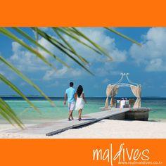 몰디브...로맨틱의 정수! 에메랄드빛  바다를 바라보며 즐기는 우리 둘만을 위한 프라이빗 다이닝.  #로맨틱 #허니문 #몰디브