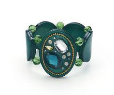 Chic et original ce bracelet avec ses pierres de couleur ! http://www.diabolobijoux.com/fr/bracelet/790-bracelet-fantaisie-vert.html