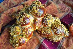 Autumn Harvest Challah: a delicious yeast-risen corn bread.