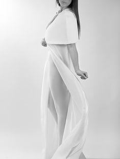FASHION. White is the new black. Photo: Ara Orozco © Desing:Jazmin Duong
