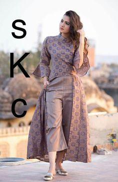 Kurta Designs, Blouse Designs, Indian Dresses, Indian Outfits, Indian Attire, Indian Wear, Salwar Suits Party Wear, Sleeves Designs For Dresses, Indian Designer Suits
