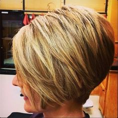12 Trendy A-Line Bob Hairstyles: Easy Short Hair Cuts - PoPular Haircuts Stacked Bob Hairstyles, Short Hairstyles For Thick Hair, Haircut For Thick Hair, Short Bob Haircuts, 2015 Hairstyles, Short Hair Cuts For Women, Pretty Hairstyles, Short Hair Styles, Haircut Short