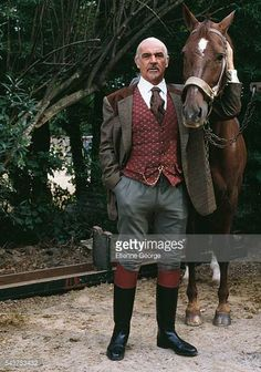 Scottish actor Sean Connery on the set of 'Highlander Hollywood Actor, Hollywood Stars, Classic Hollywood, Old Hollywood, Sean Connery James Bond, Scottish Actors, British Actors, Classic Movie Stars, Famous Men