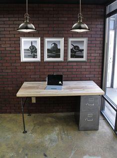 Elegant DIY Pearl and Candle Centerpieces Office File Cabinets, File Cabinet Desk, Diy Cabinets, Filing Cabinet, Industrial Office Desk, Rustic Office, Industrial Metal, Custom Desk, Pipe Desk