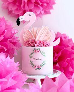 So beautiful this Flamingo by cakes … – - Birthday Cake Fruit Ideen Flamingo Party, Flamingo Cupcakes, Flamingo Birthday, Fancy Cakes, Cute Cakes, Bolo Minnie, Bird Cakes, Dessert Decoration, Birthday Cake Girls