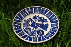 Romanian pottery Romanian Wedding, The Beautiful Country, Pottery Plates, Traditional House, Color Patterns, Folk Art, Decorative Plates, Blue And White, Roots