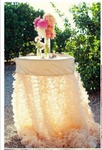 beautiful table linen