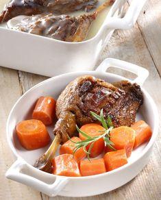 Konfitált kacsacomb konfitált sárgarépával – Receptletöltés Pot Roast, Cook Books, Ethnic Recipes, Food, Carne Asada, Roast Beef, Cookery Books, Family Recipes, Meals