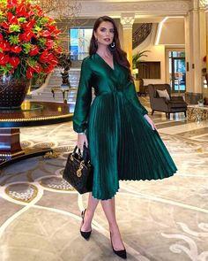 Fashion Models, Fashion Show, Girl Fashion, Fashion Tips, Modesty Fashion, Fashion Dresses, Dress And Heels, Dress Up, Hijab Dress