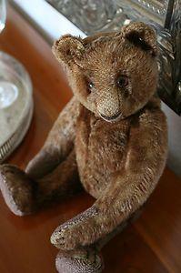 Steiff Vorkriegs Teddybär • ff-Knopf • 32 cm • dunkelbraun • 1934-43 Old Teddy Bears, Antique Teddy Bears, Steiff Teddy Bear, Teddy Bear Toys, Fabric Animals, Felt Animals, Antique Toys, Vintage Toys, Teddy Bear Pictures