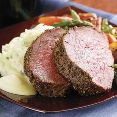 Fennel & Rosemary Beef Tenderloin with Creamy Mustard Sauce from Fine Cooking magazine. My mom's favorite Christmas beef dish. Beef Tenderloin Recipes, Beef Tenderloin Roast, Roast Beef, Bbq Beef, Sauce Recipes, Beef Recipes, Cooking Recipes, Cooking Ideas, Food Ideas