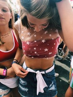 Popular Bonnaroo Outfits Ideas For Festival Style To Inspire You Cochella Outfits, Edgy Outfits, Cute Outfits, Music Festival Outfits, Festival Fashion, Music Midtown, Look Festival, Acl Festival, Coachella Festival