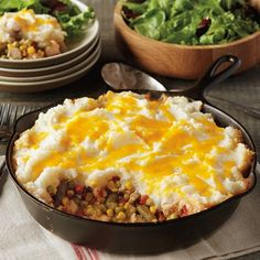 Transform leftover turkey (and mashed potatoes if you've got them) into a veggie-packed layered casserole with only 10 minutes of prep time. Turkey Recipes, Beef Recipes, Cooking Recipes, Chicken Recipes, Skillet Recipes, Great Recipes, Dinner Recipes, Favorite Recipes, Oktoberfest