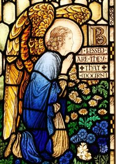 Arts & Crafts stained glass window by Archibald John Davies (1877 - 1953  www.vitraux.co.uk