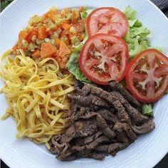 Easy Healthy Breakfast Ideas & Recipe to Start Excited Day Easy Healthy Breakfast, Healthy Meal Prep, Healthy Snacks, Healthy Eating, Healthy Recipes, Breakfast Ideas, Good Food, Yummy Food, Light Recipes