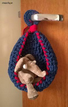 Cegonha em crochê com fio de malha #artesanato #croche #crochet #facavocemesmo #fiodemalha #handmade #infantil #quartoinfantil #craft #decoração #marrispe