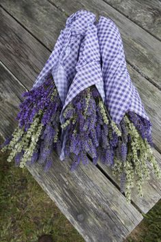 Wrapped bouquets of dried lavender at Lavender Festival, held annually each July, Sequim, Washington, USA Lavender Cottage, Lavender Garden, Lavender Blue, Lavender Fields, Lavender Flowers, Dried Flowers, Lavender Ideas, Lavender Crafts, Lavender Sachets